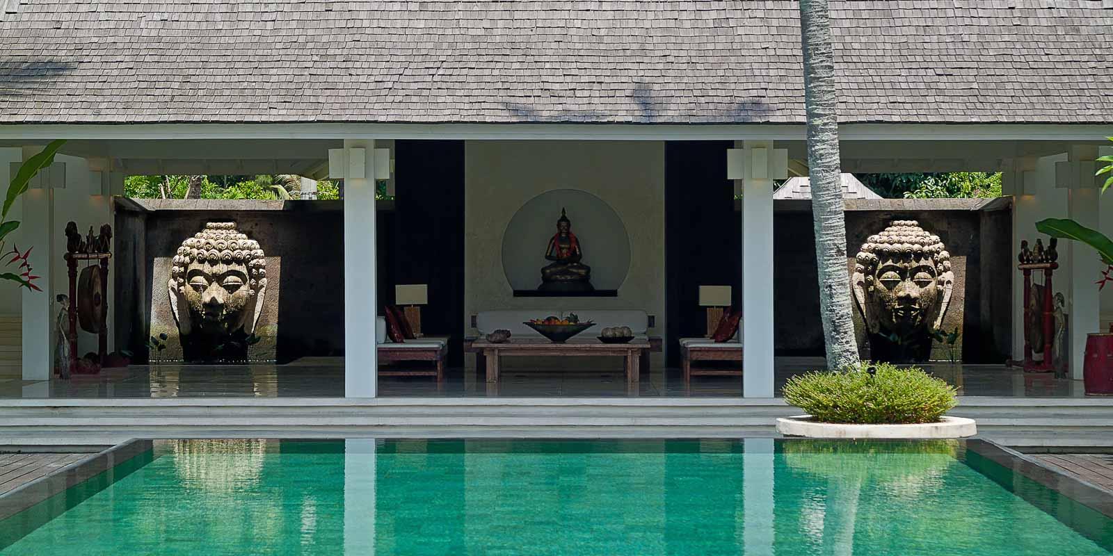 villa-matahari-main-building-lobby-swimming-pool