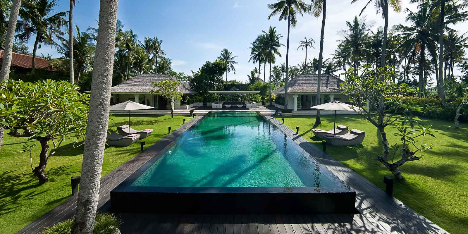 villa-matahari-swimming-pool