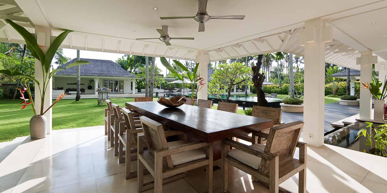 villa-matahari-dining-room