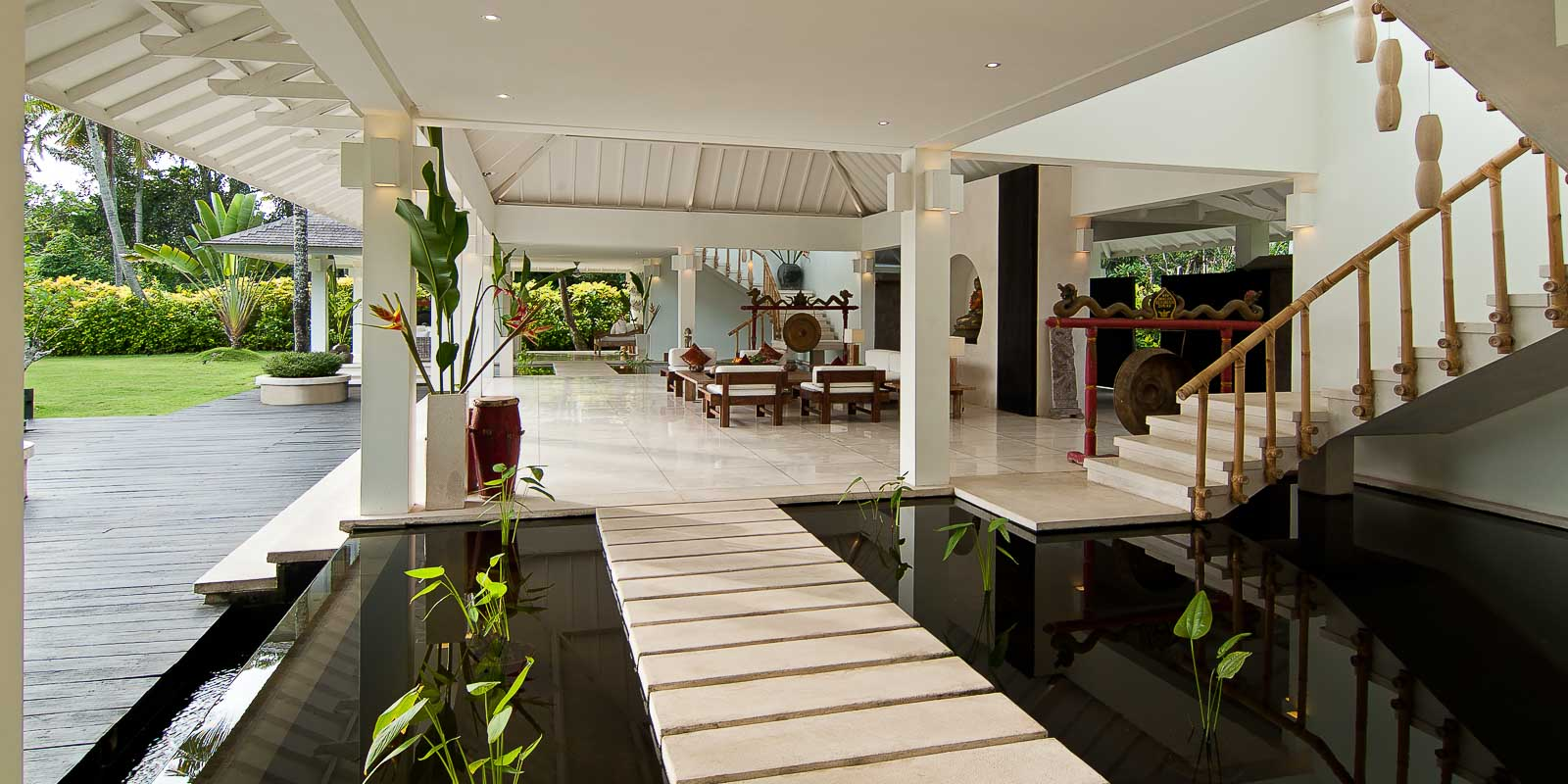 villa-matahari-pond-lobby-staircase