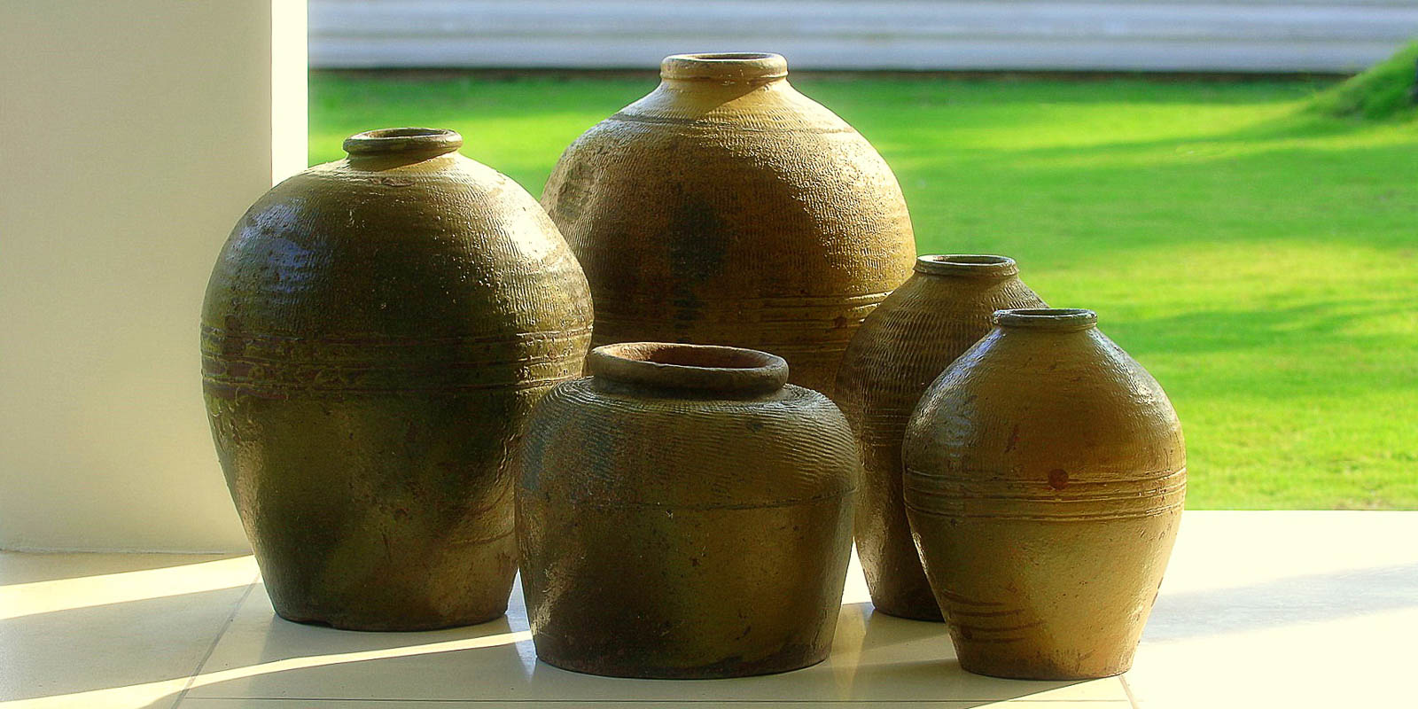 villa-matahari-pots