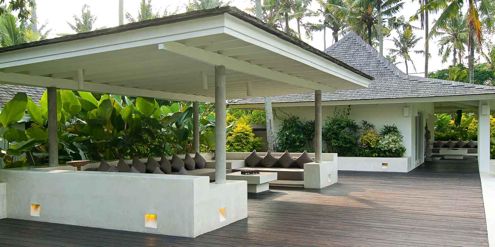 villa-matahari-pool-lounge-garden-suite