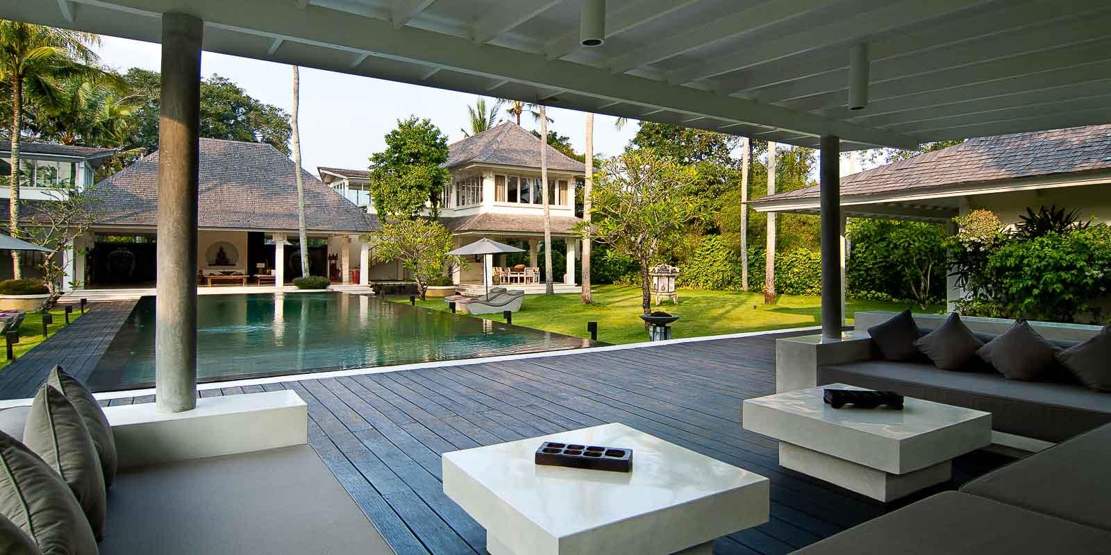 villa-matahari-pool-lounge