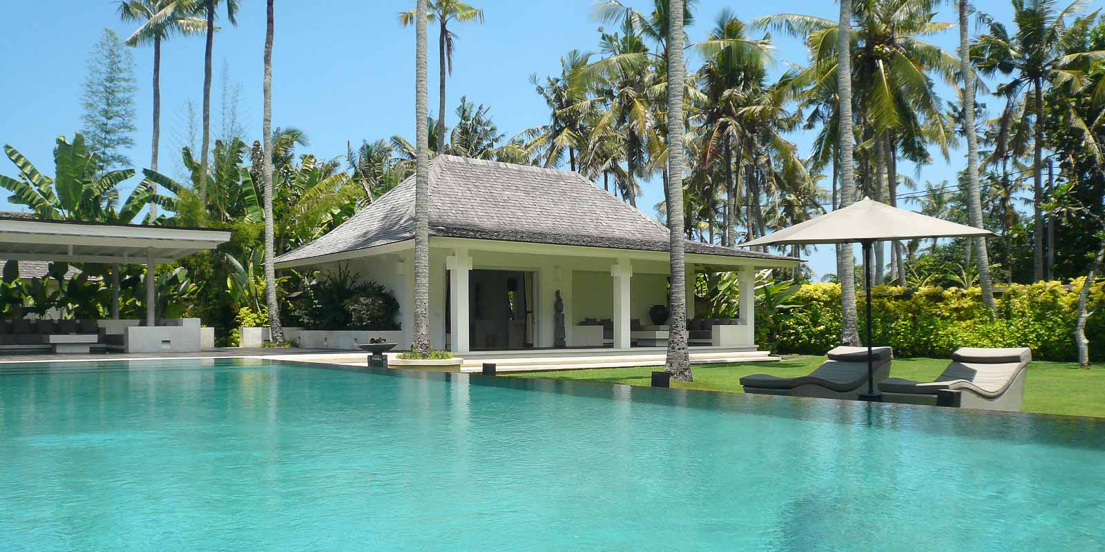 villa-matahari-swimming-pool-garden-suite