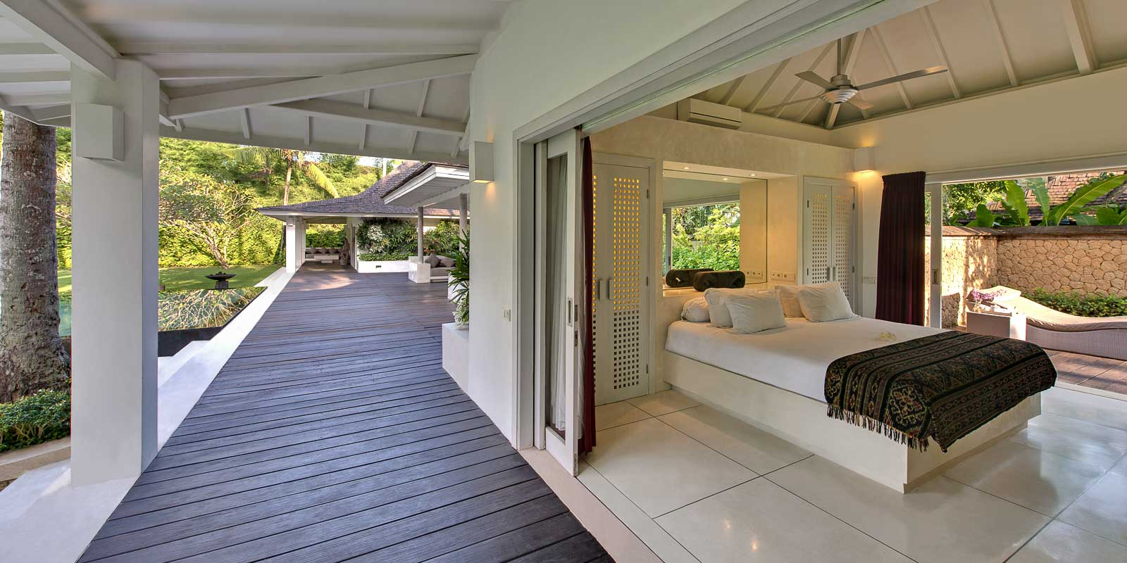 villa-matahari-garden-suite-entrance