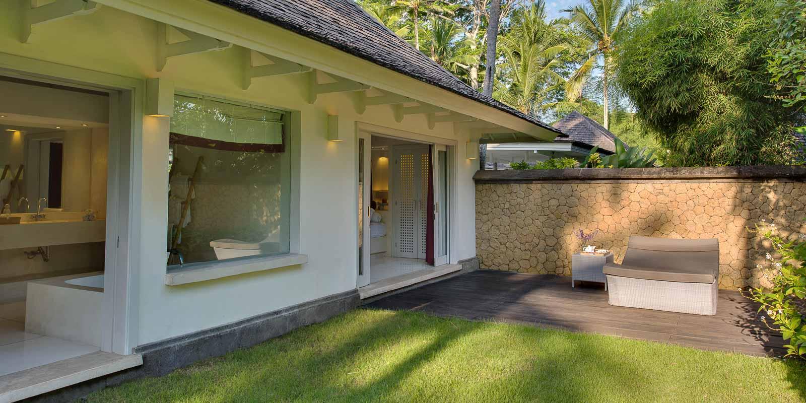 villa-matahari-garden-suite-private-garden