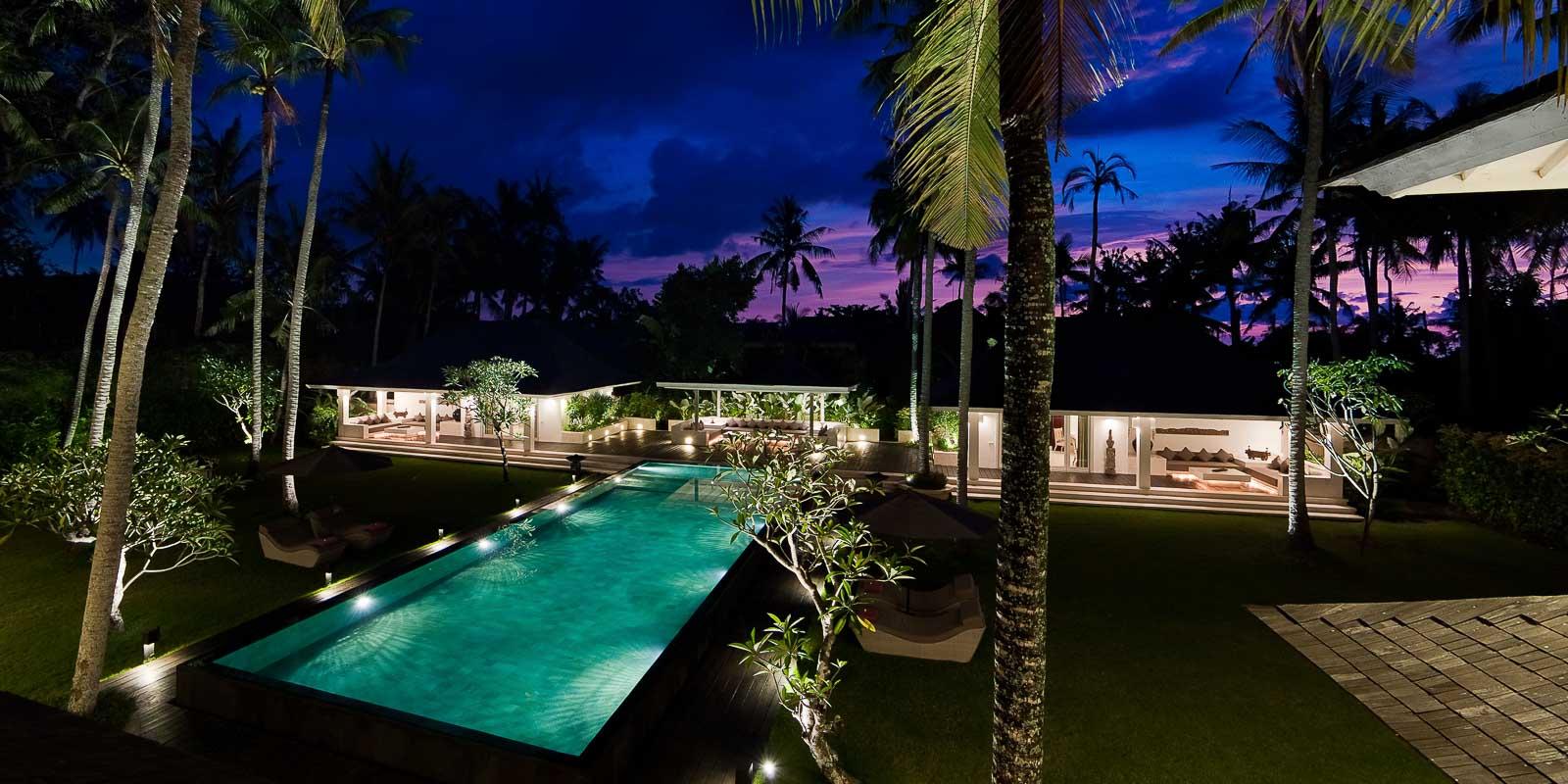 villa-matahari-swimming-pool-chillout-garden-suites