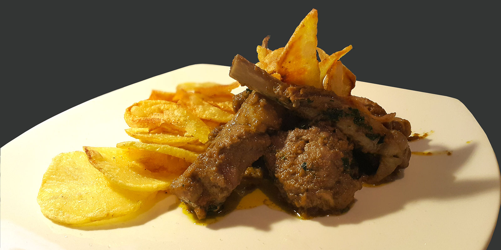 stuffed-lamb-chops-with-fried-potatoes